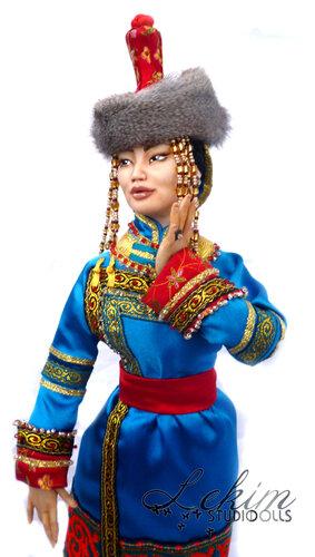 Алдын-кыс, Авторская кукла Елены Ким
