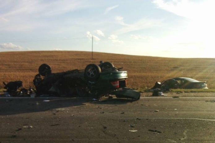 На трассе М5 Opel в лобовую столкнулся с BMW- погибли женщина и ее 5-летняя дочь водители в больнице