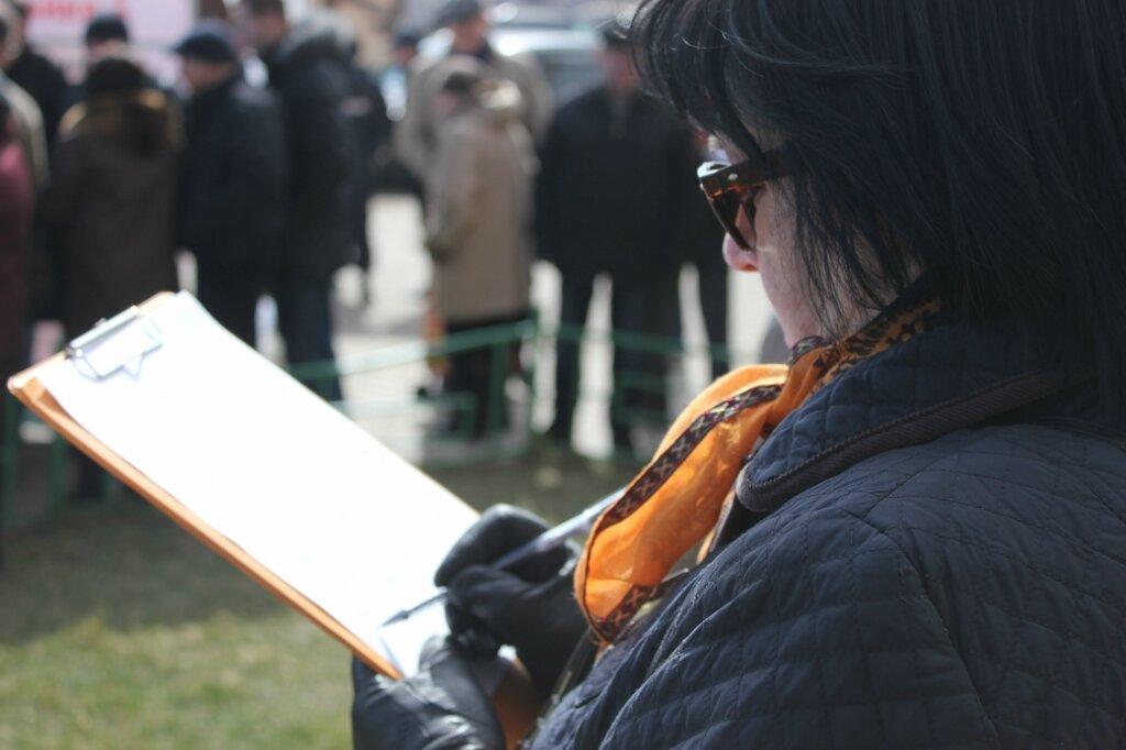 Также на митинге был организован сбор подписей против пресловутого строительства