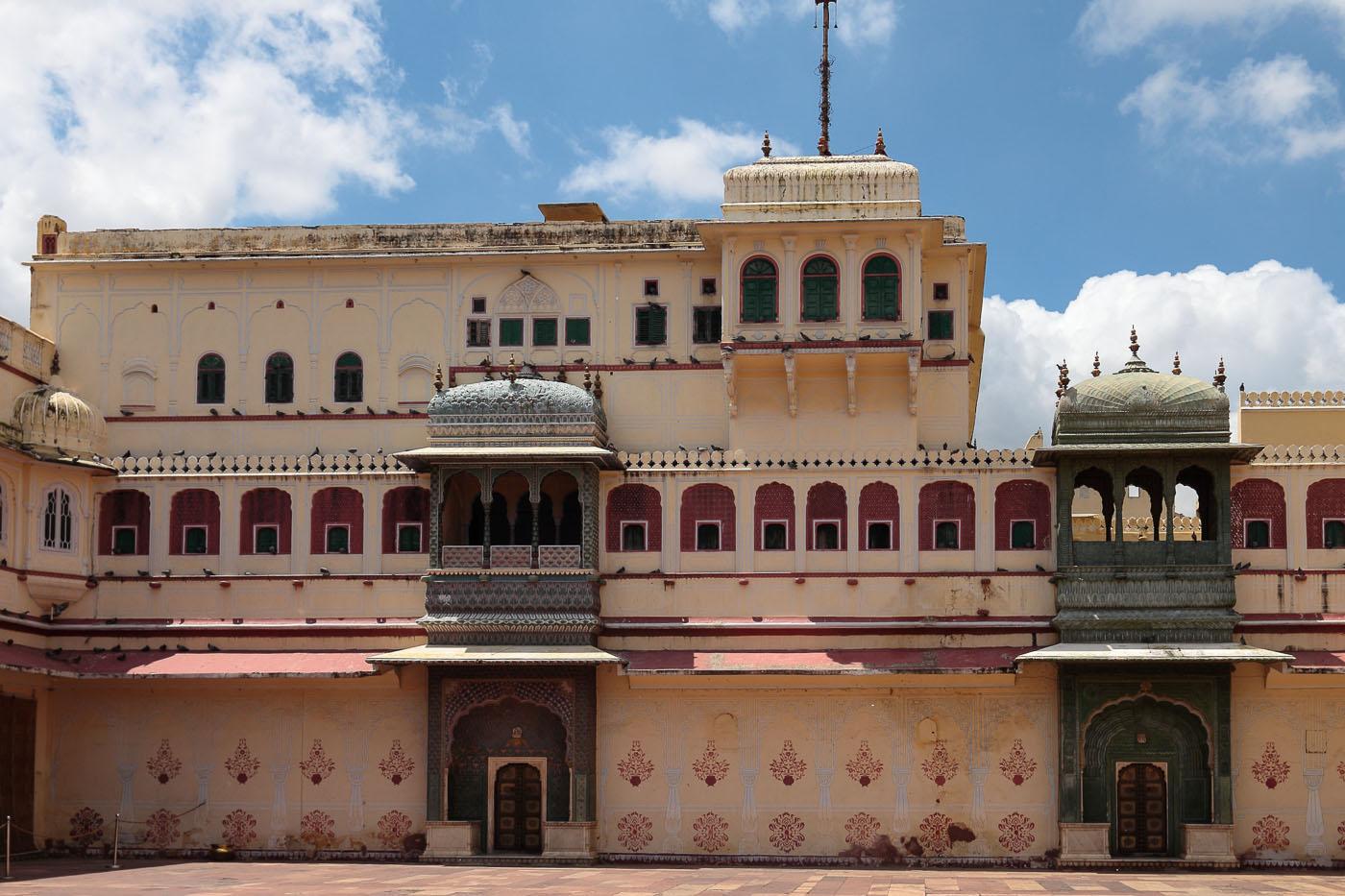 Фото 23.1. Туры в Индию. Во время экскурсии в Джайпур можно увидеть много интересных архитектурных достопримечательностей.