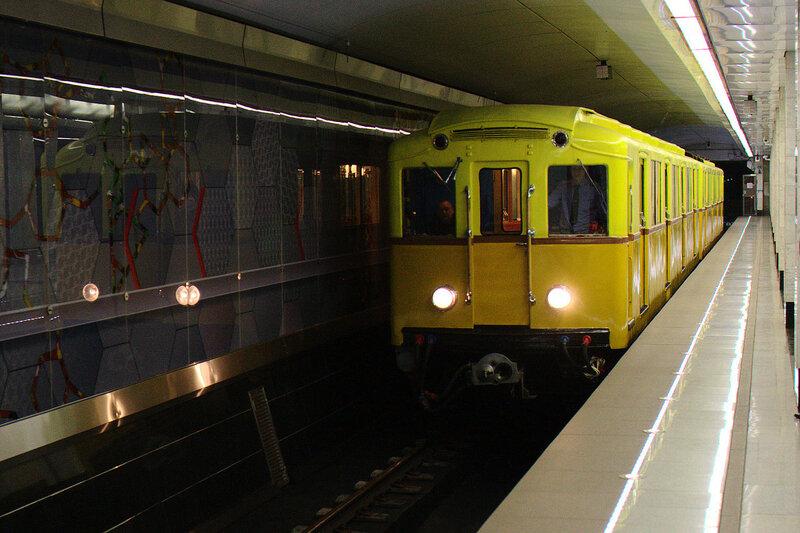 Поезд прибывает на станцию Спартак