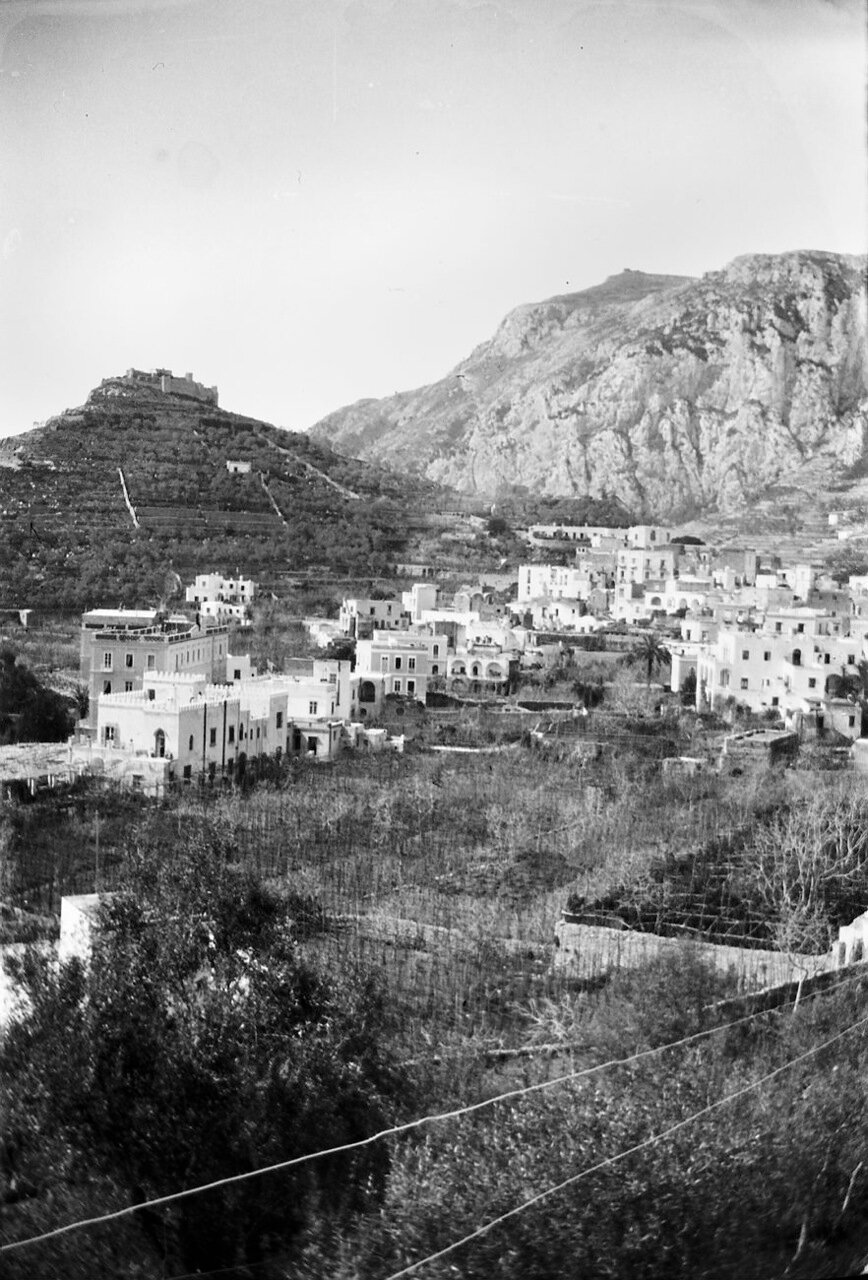1900. Капри, Италия