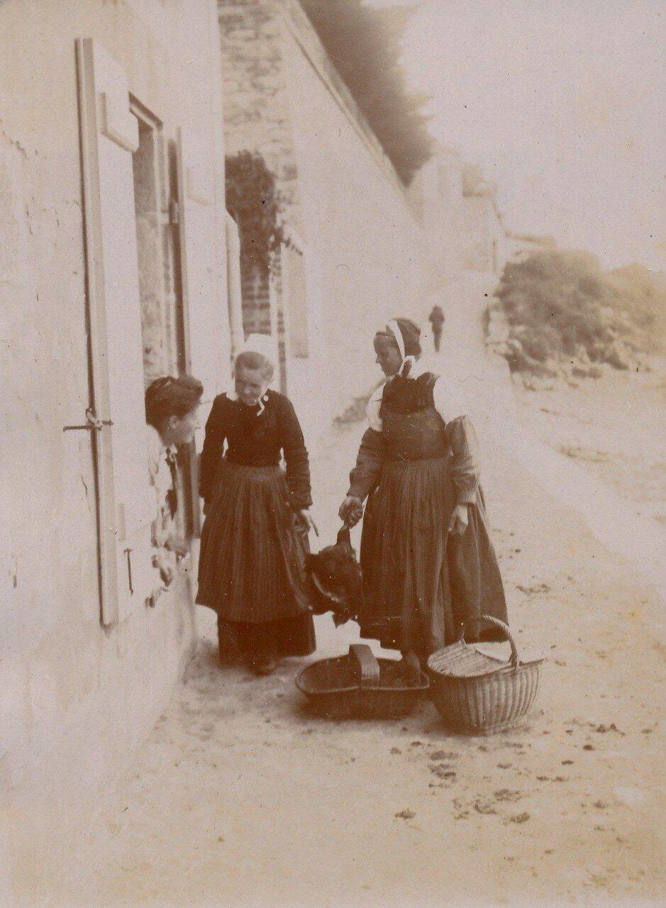 1900. Кемпер. Местные жительницы