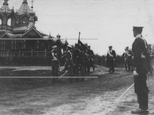 Император Николай II на храмовом празднике полка и училища.