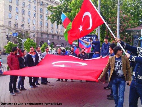 азербайджанцы киева в поддержку крымских татар