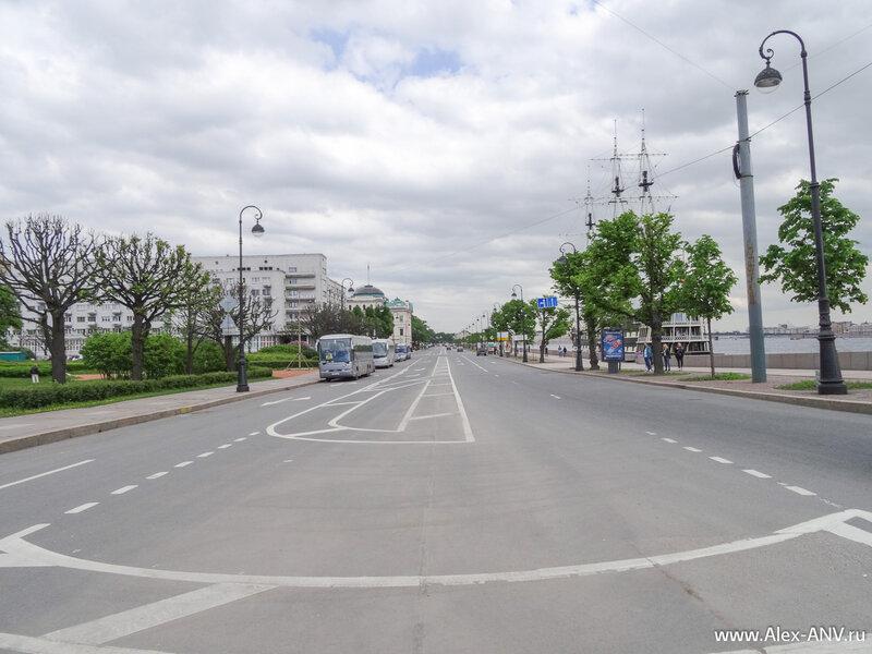 Петровская набережная, вид от Троицкого моста.