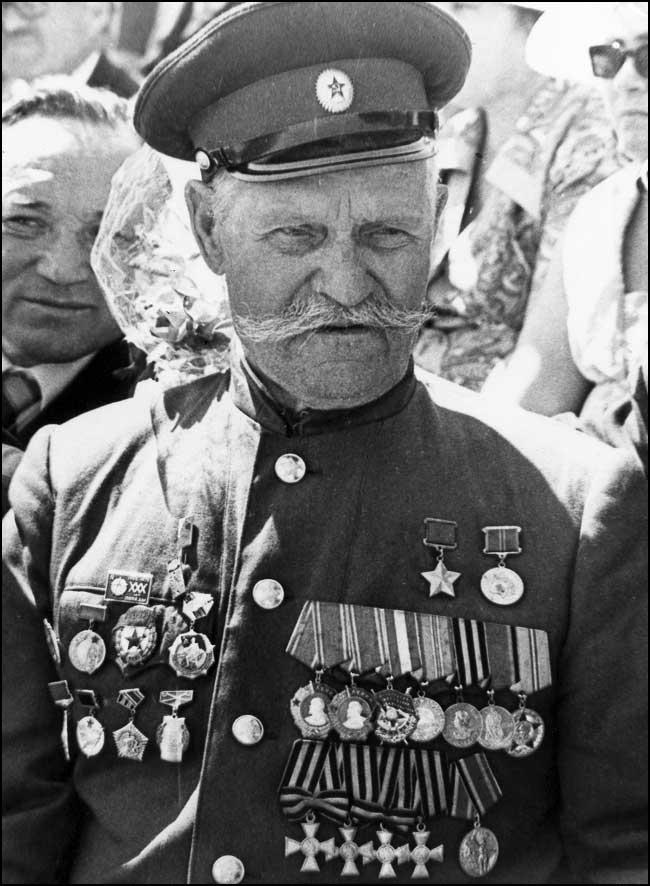 1.Недорубов Константин Иосифович - командир эскадрона народного ополчения.jpg