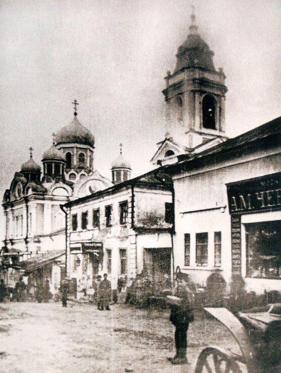 Вид на храм Архистратига Михаила