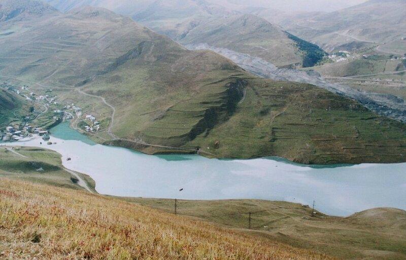 """Сентябрь-октябрь 2002 года. Подпрудное озеро ниже села """"Горная Саниба"""". Фото: В.Судакова. (Resize of IMG_0808.JPG)"""