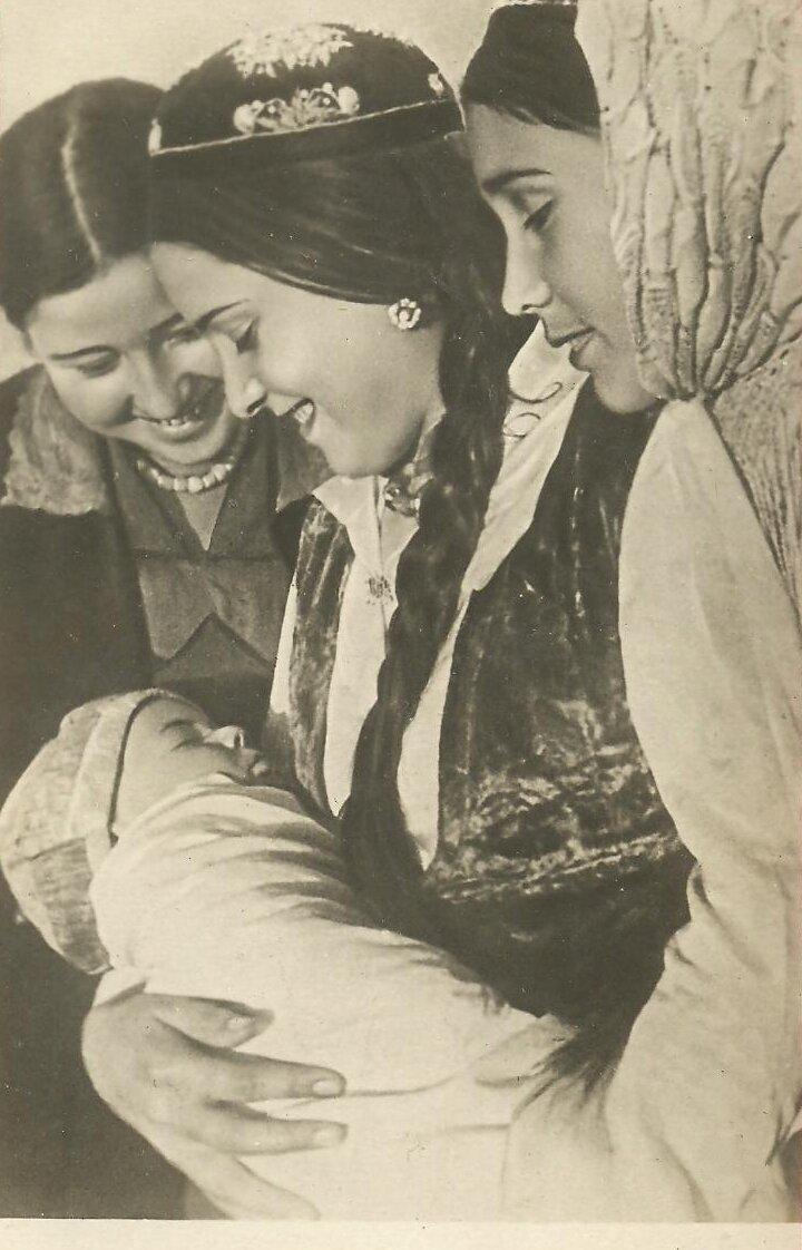 Типы Средне-Азиатских владений. Молодая мать
