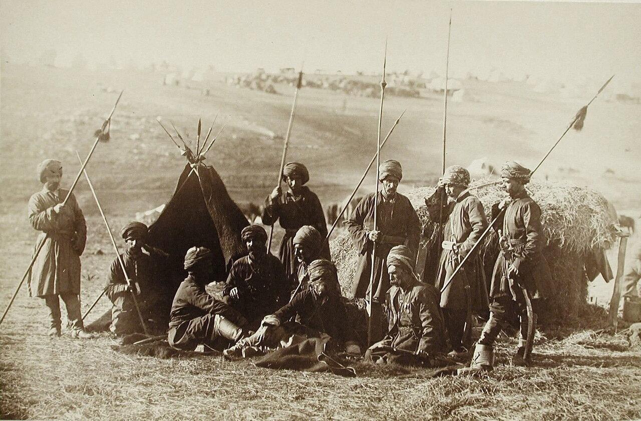 Группа местных жителей-курдов