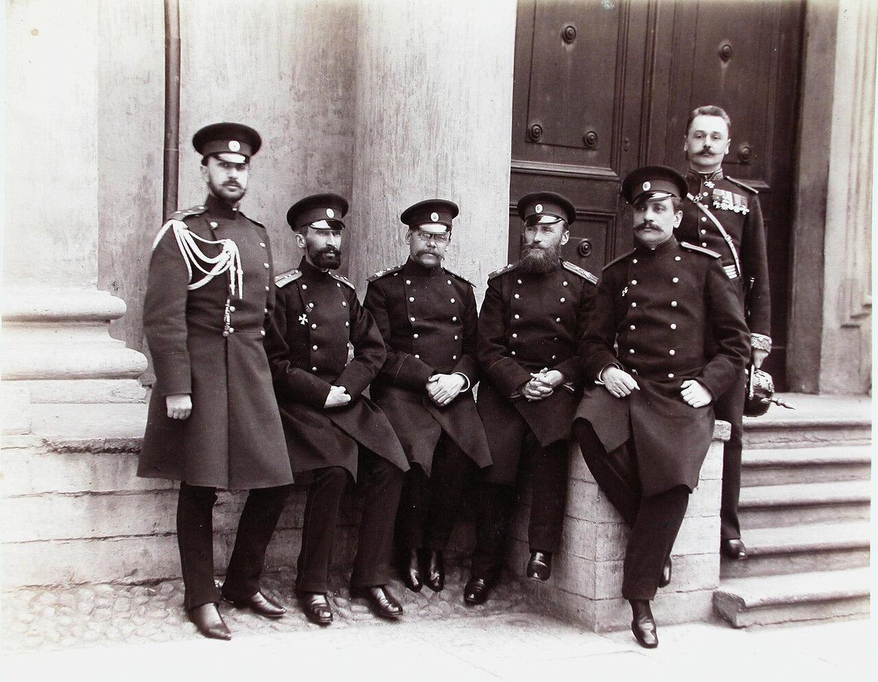 02. Группа ротных командиров и офицеров - воспитателей корпуса