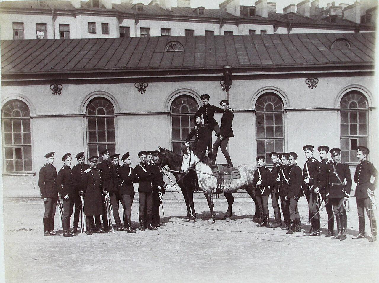 08. Группа пажей - воспитанников корпуса - во время занятий верховой ездой (джигитовкой)