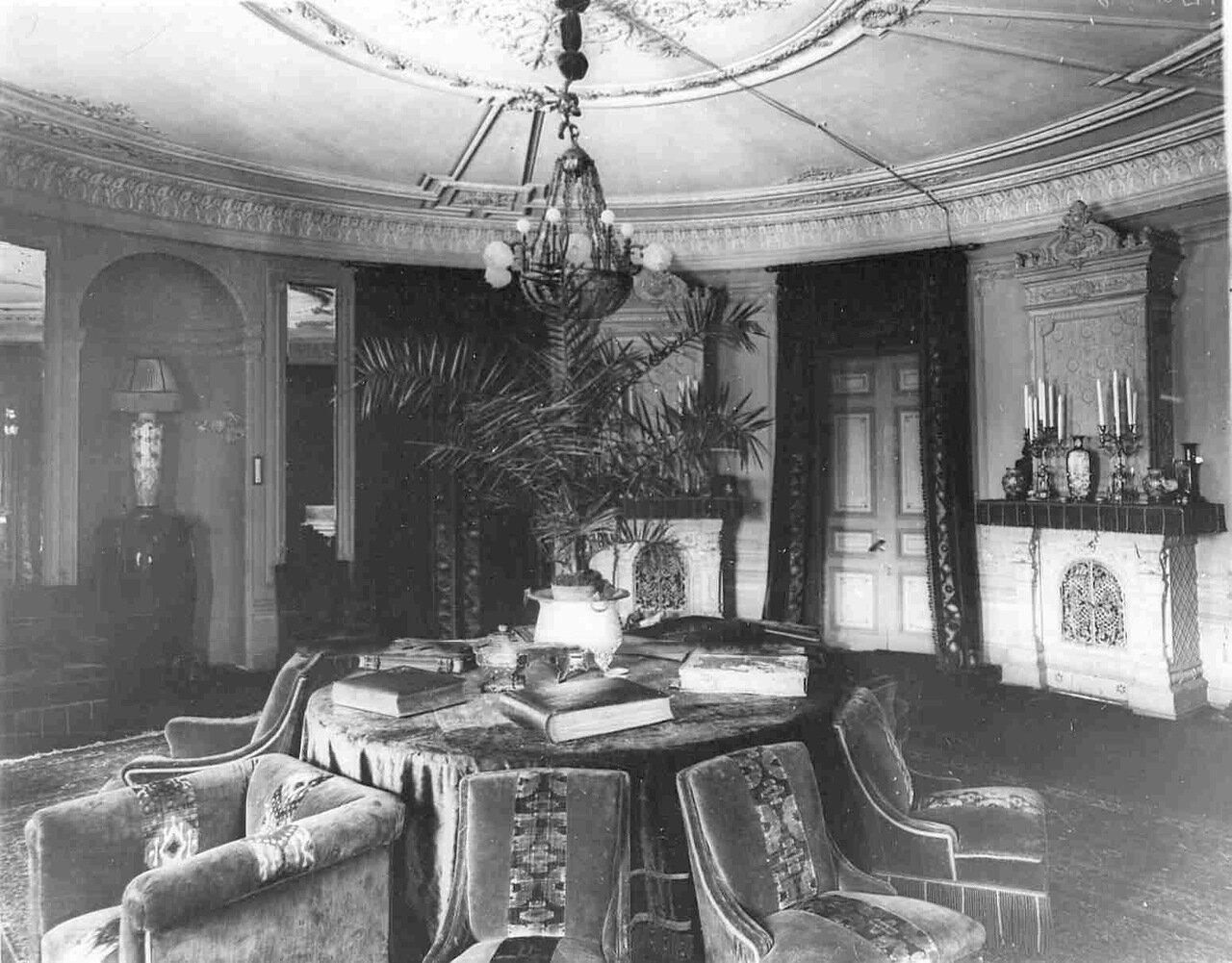 Квартира генерала от инфантерии А.Н.Куропаткина (Таврическая ул., 3-г). Гостиная
