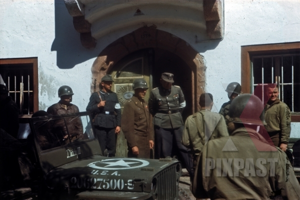 stock-photo-ss-general-max-simon-surrendering-to-american-101st-airborne-division-general-maxwell-d-taylor-schwendt-austria-1945-12786.jpg