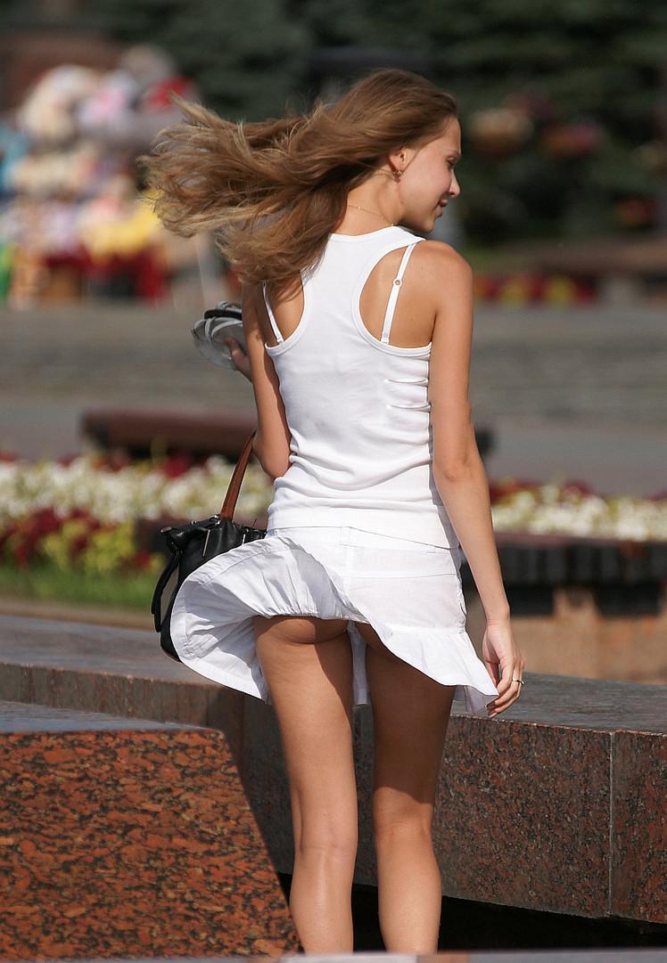 свежими девушкам под юбки как получилось