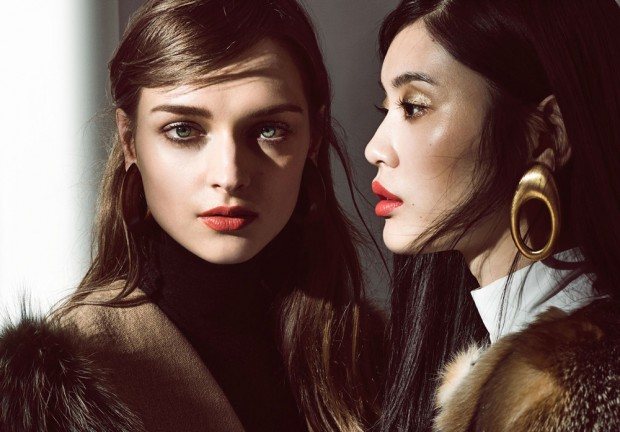 Top models Daga Ziober and Ming Xi take the pages of Vogue China 's October 2015 edition with