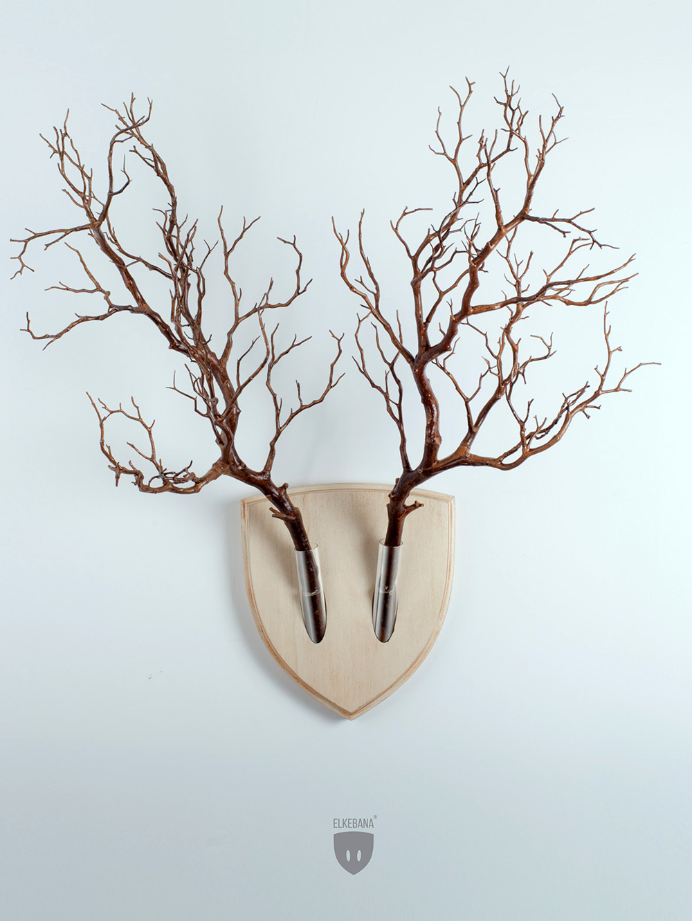 If you enjoy the aesthetic appeal of animal antlers but hate the idea of taxidermy, Elkebana might b