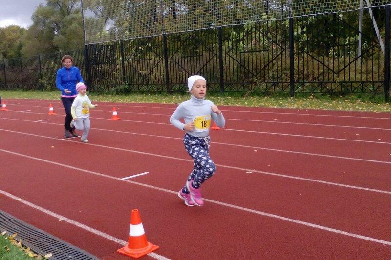 Завьялова Анастасия на дистанции 400 метров Ростовского полумарафона