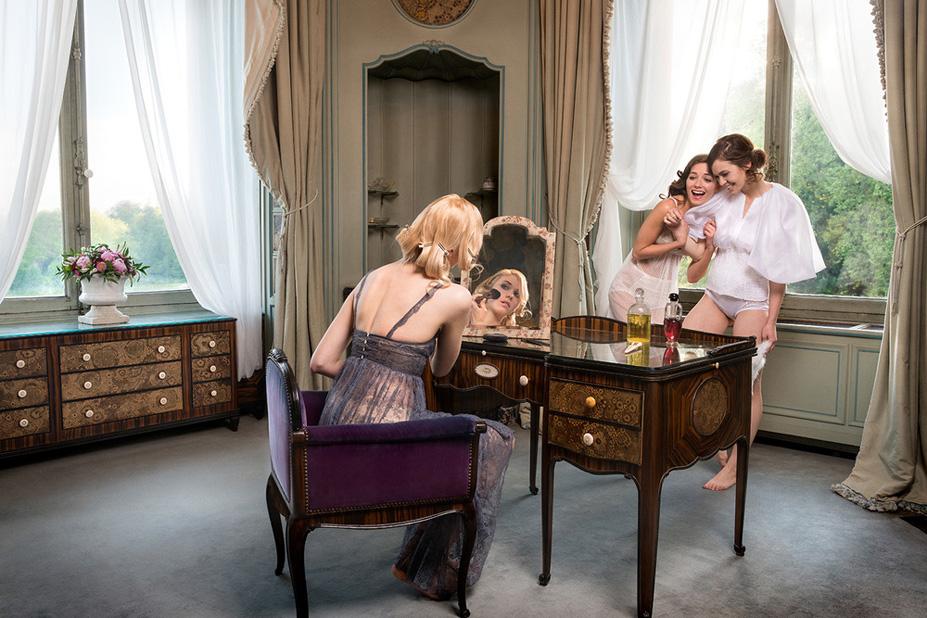 La salle de bains - Une vie de chateau / A golden youth / photo by Malo