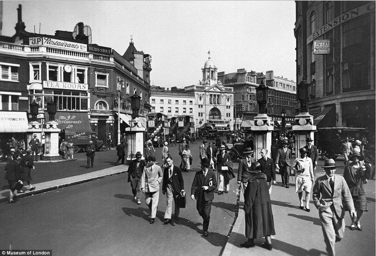 1920. Вид от вокзала Виктория