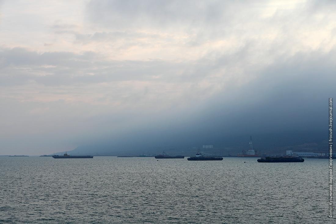 берег полуострова Мангышлак в утренней дымке