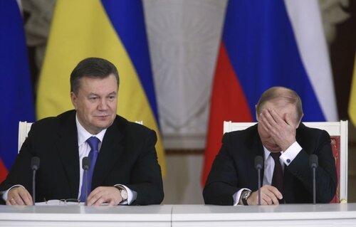Янукович все еще считает себя Президентом