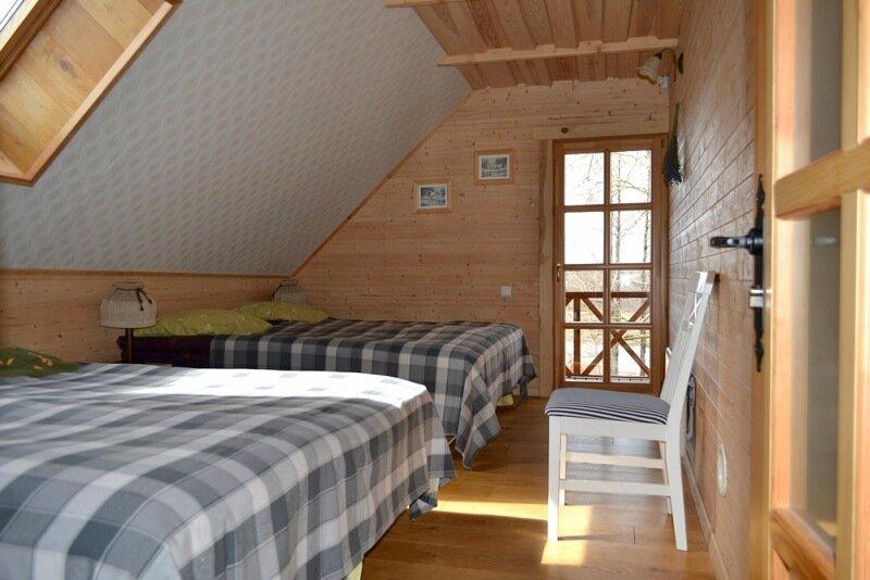 Гостевой дом 14 мест. Спальня с 4 одноместными кроватями