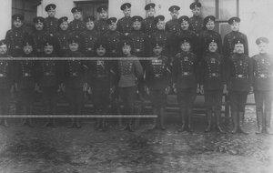 Группа нестроевого состава офицеров, фейерверкеров и рядовых бригады.