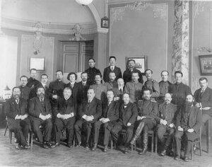 Группа членов Сибирского комитета.