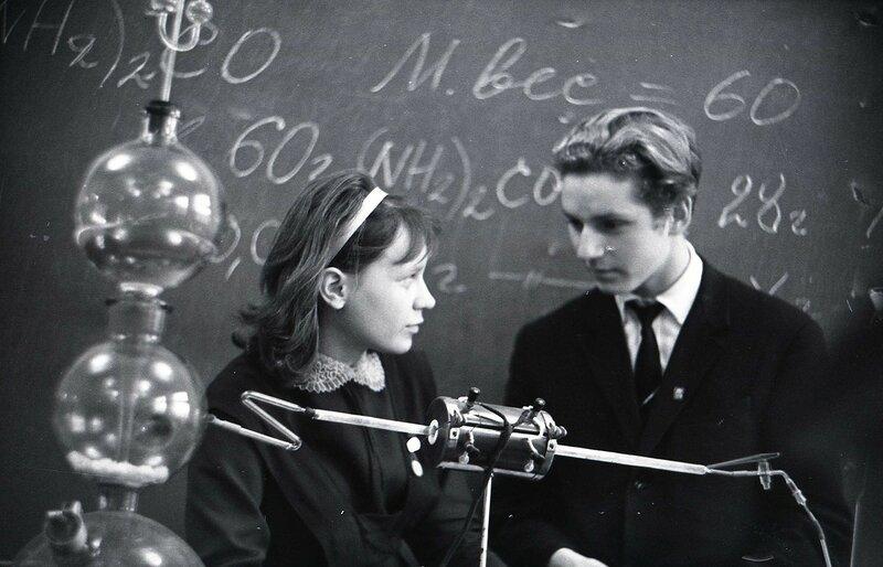 НОУ Юные любители химии школа 92