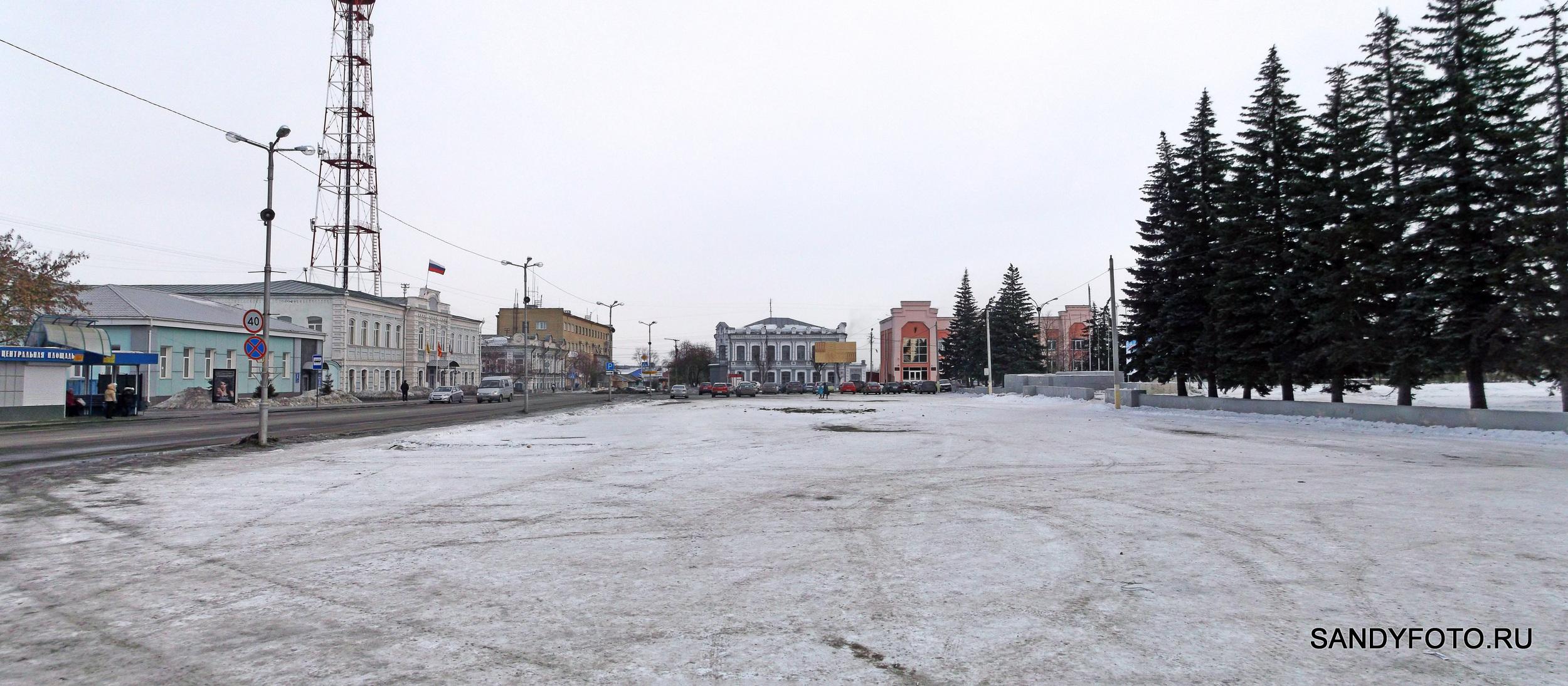 Ледяной городок убран, площадь зачищена
