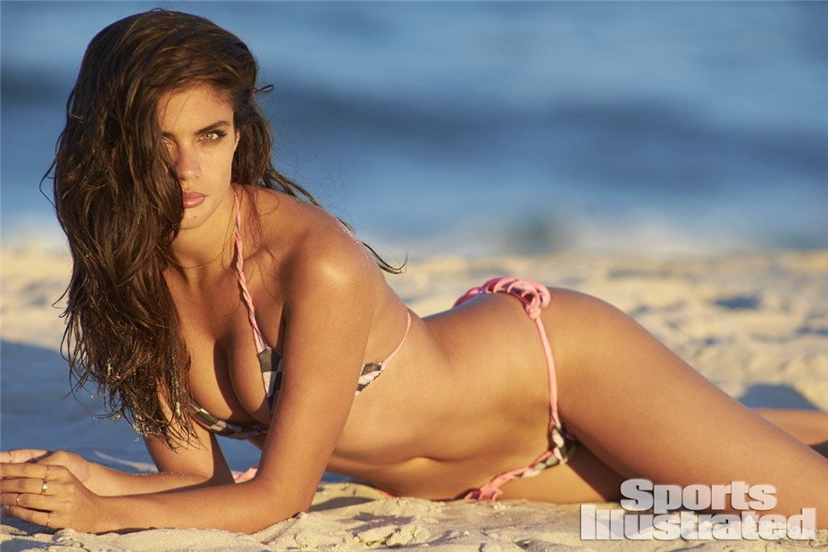 Сара Сампайо в купальниках Sports Illustrated Swimsuit 2014 - Sara Sampaio by Ben Watts at the Jersey Shore