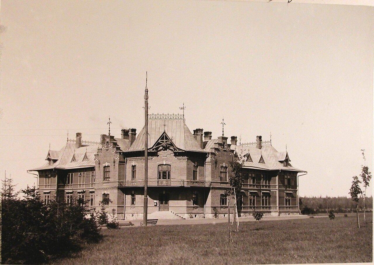 06. Общий вид двухэтажного дома для служащих Беловежского дворца