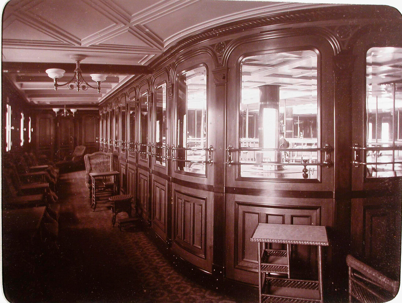 14. Вид галереи на нижний палубе яхты «Штандарт»