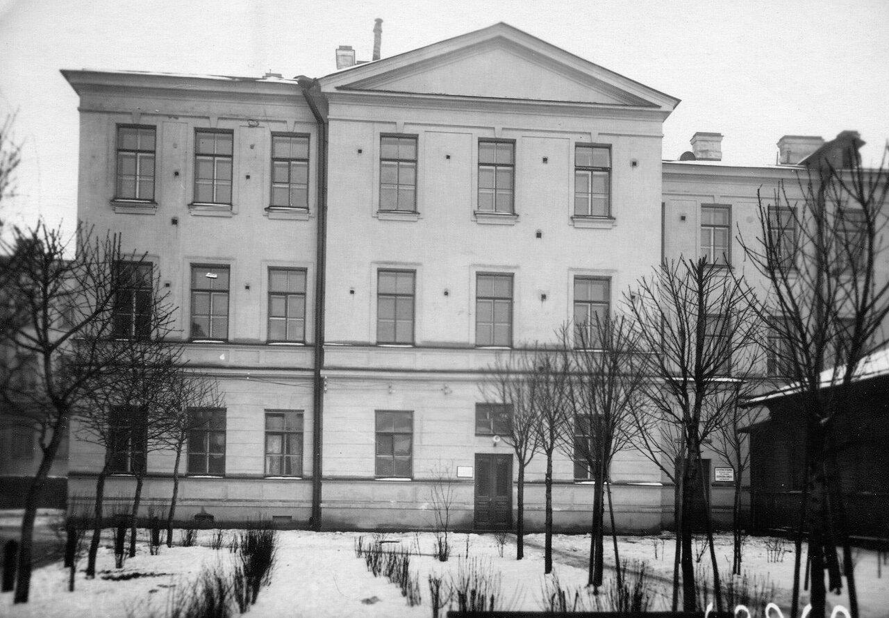 12. Фасад клиники кожных и венерических болезней (Архиерейская, 4).  1913