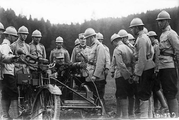 prince-carol-1917-world-war-one-ww1-romanian-men-army.jpg