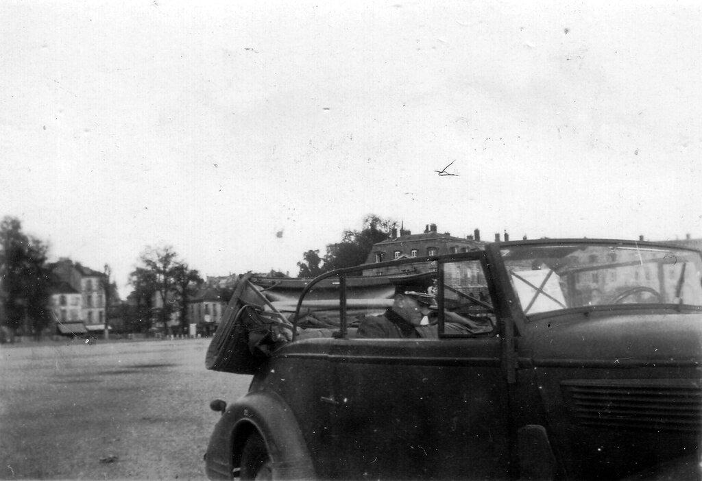1941-1944 208