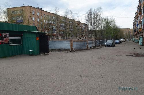 Фото города Инта №6911  Мира 31 и двор Мира  29 09.06.2014_16:26
