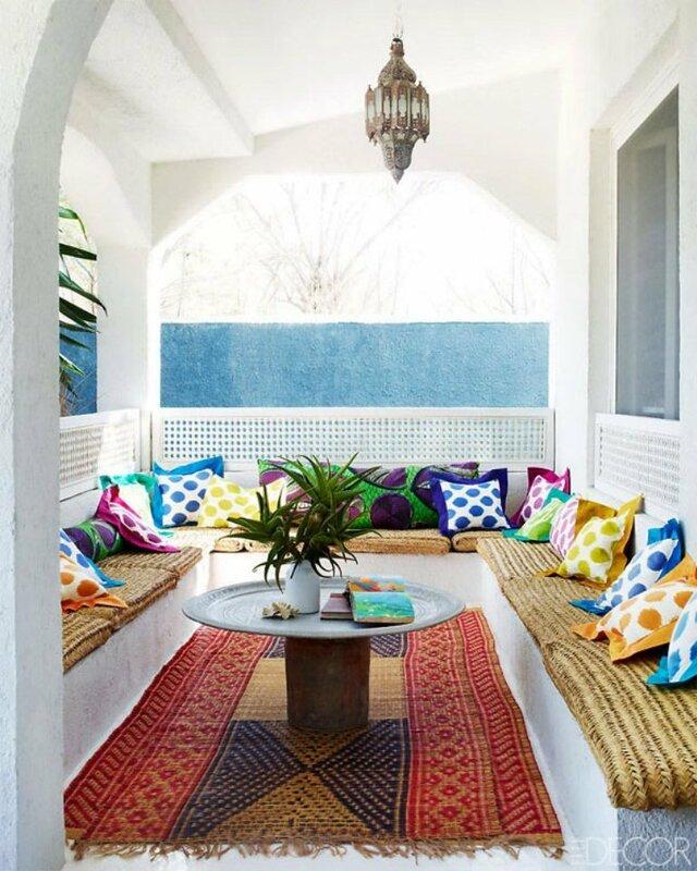 Солнечный дом на побережье Адриатического моря.jpg