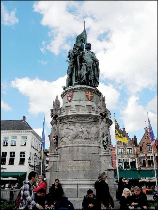 Brugge 9141 Grote Markt.JPG