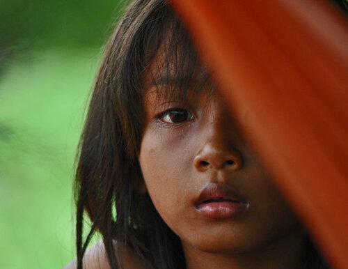 Девочка из Камбоджи, чья девственность была продана ее матерью