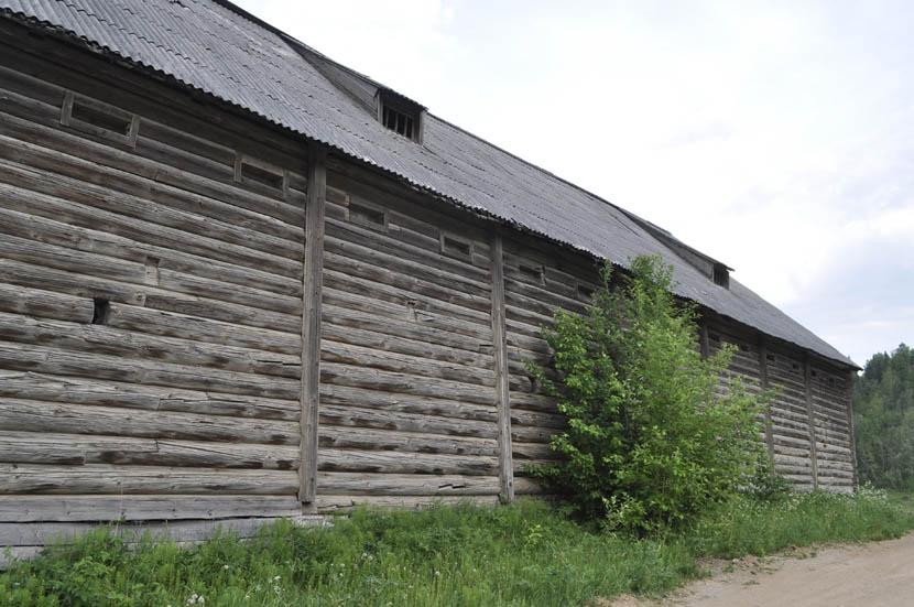 Нюксеница. Старый склад.jpg