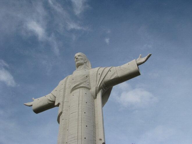 Статуя Иисуса Христа. Кочабамба, Боливия