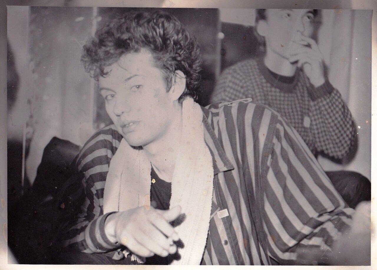 1987. Михаил Борзыкин (группа «Телевизор») в Ангарске