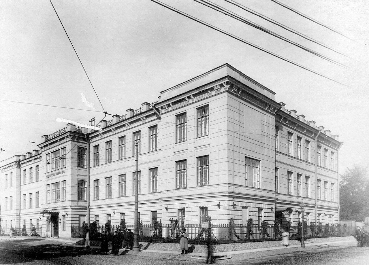 108. Фасад здания ортопедической клиники профессора Г.И.Турнера (открыта летом 1913 года, Боткинская улица, 1)