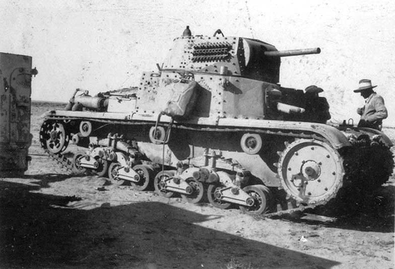 М13/40 захваченный австралийцами в Северной Африке.