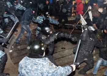 Протесты в Киеве распространяются по всей стране