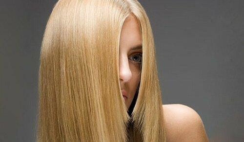 Процесс кератинового выпрямления волос и каков результат?