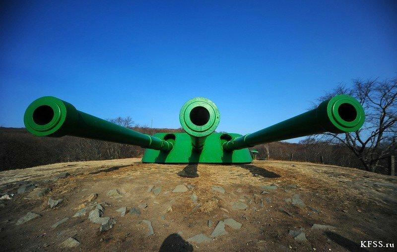 Башенная установка Ворошиловской батареи на острове русском